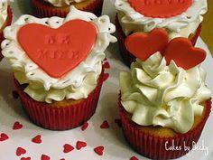 Paper Valentine inspired cupcakes :)