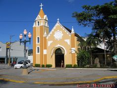 Igreja Matriz de São Pedro. Matinhos. Rua Albano Muller, 196.