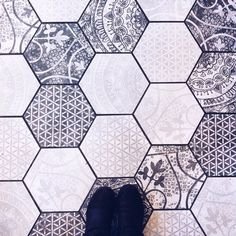 These gorgeous tiles from Cafe Madeline in Boston London Cafe, Strip Mall, Farmhouse Remodel, Blue Tiles, Floor Patterns, Laundry In Bathroom, Cool Rooms, Bathroom Renovations, Mosaic Art