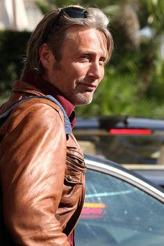 Mads & Hannibal — HQ pics: Mads Mikkelsen leaving Hotel Martinez...