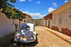 oldtimer in the streets of Barichara