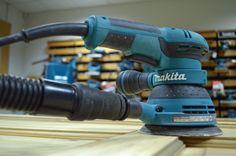 Makita BO5041 sander http://www.toolstop.co.uk/makita-bo5041-random-orbit-sander-110v-p13934