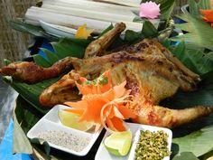 Để có những con gà nướng ngon, hợp lòng du khách, người dân Bản Đôn phải rất công phu nuôi chọn gà và có cách làm món riêng.