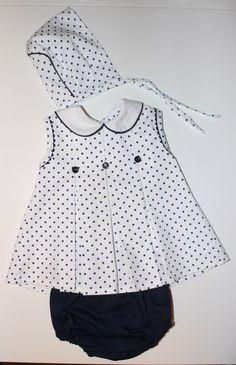 Vestido bebe con braguita y capota NUEVO
