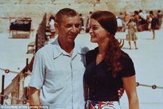 Gary Rapoport took this photo of his grandfather, Meyer Lansky, and his mother Sandi, Lans... Fidel Castro, Meyer Lansky, Mafia, Brownsville Brooklyn, Havana Hotels, Our Man In Havana, The Godfather Part Ii, Graham Greene, The Big Boss