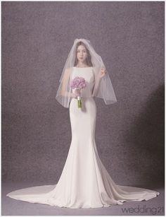웨딩드레스 Luxury Wedding Dress, Wedding Attire, Wedding Gowns, Queen Dress, Wedding Places, Bridal Shoot, Minimalist Wedding, Bride Groom, Wedding Styles