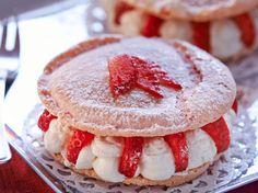 Avec les lectrices reporter de Femme Actuelle, découvrez les recettes de cuisine des internautes : Macaron aux fraises