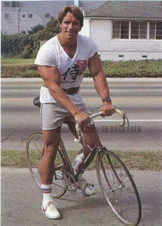 Tambien mi compita Arnold pedaleaba cuando eramos morros.