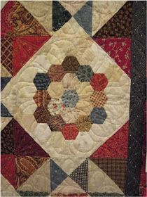 Quilt Inspiration: Vintage Hexagon Quilts