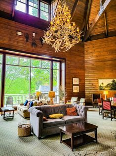A relaxing atmosphere, beautiful natural surroundings, and outdoor adventure are just a few of the features you'll enjoy at Brasstown Valley Resort & Spa, North Georgia! Read all about our stay here and start planning yours with a visit to our blog. #NorthGeorgia #GeorgiaVacation #NatureSpa #RelaxingGetaway #FamilyRoadTrip #USRoadTrips #FamilyTravel Family Road Trips, Family Travel, Find Cheap Flights, The Perfect Getaway, Road Trip Hacks, Resort Spa, Vacation Destinations, Trip Planning, Georgia
