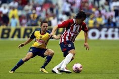 this is the best clasico, America vs Chivas ♥ Running, Sports, Bucket, Sunday, Mexico, Racing, Hs Sports, Keep Running, Sport