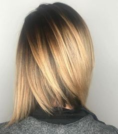 Dark shadowed root and blonde balayage by designer Jacqueline of @curriehair, balayage, blonde balayage, dark root, shadowed root, short styles, short hair, ombre, sombre, blonde, brunette, rooted looks, sleek hair, shoulder-length hair, Redken, www.curriedayspa.com