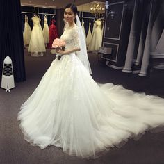 The new wedding dress bride married the word shoulder wedding dress long tail Slim simple high-end four seasons