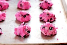 pink choc. chippers - on the list to do tomorrow!