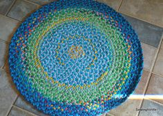 More Stash Bustin! Making A Rug With All Those T-Shirts! | Sewingforlife!