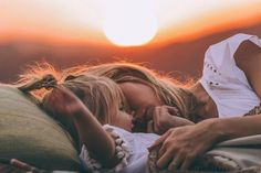 Airstream in Malibu - Amber Fillerup Clark Barefoot Blonde Mom And Baby, Mommy And Me, Baby Love, Children Photography, Family Photography, Family Portraits, Family Photos, Barefoot Blonde, Foto Baby