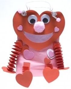 Looking for some easy Valentine crafts? These kid friendly Valentine's Day crafts are a great way to promote gifts from the heart in tough economic...