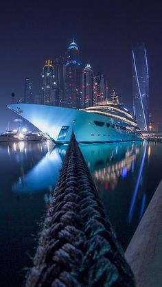 Yachting in Dubai  | Keep The Glamour ♡ ✤ LadyLuxury ✤
