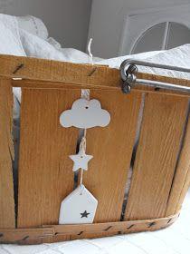 Petits sacs à linge           Petits sacs à linge en lin et cordelette coton   motifs assortis style bateau : petit haut ...