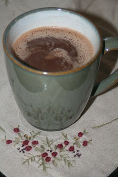 herding cats & burning soup: Tasty Tuesday: Bliss in a Mug- Nutella Hot Chocolate! Nutella Hot Chocolate, Snap Food, Superfood Recipes, Food Crush, Food Snapchat, Coffee Photography, Aesthetic Food, Food Cravings, Food Pictures