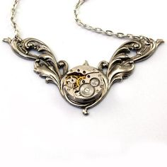 Steampunk Necklace- it looks like a steampunk snitch.