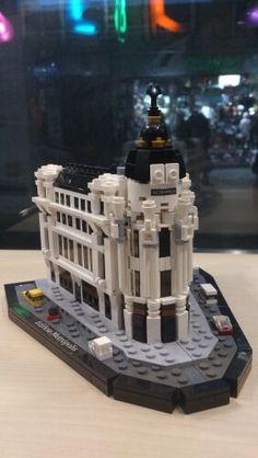 Edificio Metrópolis -Madrid -Lego