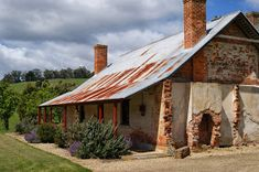 The Cascades Probation Station in Koonya was an once an outstation for the main Port Arthur prison. Australian Architecture, Australian Homes, Australian Holidays, Australian Art, Colonial Cottage, Old Cottage, Coast Australia, Australia Travel, Australia Landscape