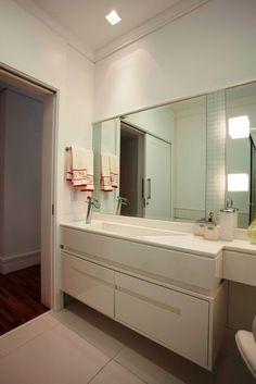 современная раковина в ванной