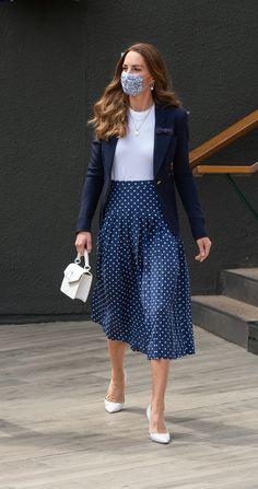 Looks Kate Middleton, Kate Middleton Outfits, Princess Kate Middleton, Duchess Kate, Duchess Of Cambridge, Modest Outfits, Skirt Outfits, Princess Katherine, My Fair Lady