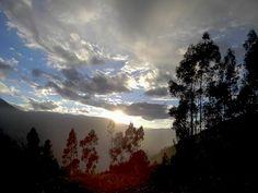 Atardecer / Apurimac.  Autor: Sandy Ccorahua Puma   #TOURSFOTOGRAFICO #Viaje #Naturaleza #Fotografía #Perú #Caminos #Rutas #Paisajes #Postal #Viajeros #Mochileros #Tours #Flora #Fauna #Ruinas #trekking #Trip #visitperu #arribaperu #discoverperu #apurimac