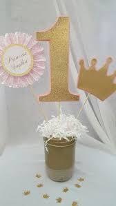 Resultado de imagen para adornos para torta de 1 año corona y varita en porcelana