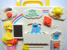 "Ideal ""Sesame Street"" Funtime Discovery Box crib toy"