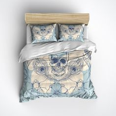 Fleece Skull Bedding with Feathers and Flies