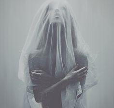 Dark beauty magazine photoshoot - haunting, ethereal, meloncholy