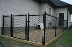 I really like this! I might want to have it partly covered and some flexibility in separating out kennels.