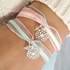 Bracelet with a beautiful ribbon and delicate charm Ribbon Jewelry, Fabric Jewelry, Wire Jewelry, Jewelry Crafts, Beaded Jewelry, Jewelery, Jewelry Bracelets, Ribbon Necklace, Handmade Bracelets