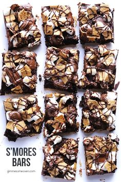 S'mores Bars Recipe -- a fun and delicious way to enjoy all of the goodness of s'mores, with no campfire required 13 Desserts, Delicious Desserts, Dessert Recipes, Yummy Food, Bar Recipes, Delicious Chocolate, Cream Recipes, Sugar Cupcakes, S'mores Bar