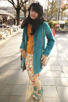 It's Spring time in Kyoto! Charlene is ringing in this season with cute colour blocking and pretty prints!