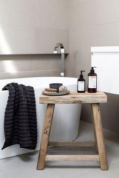 Bathroom Decor Beach Theme High End Bathroom Interior Design Bathroom Bench, Wood Bathroom, Laundry In Bathroom, White Bathroom, Modern Bathroom, Small Bathroom, Bathroom Ideas, Bathroom Stools, Natural Bathroom