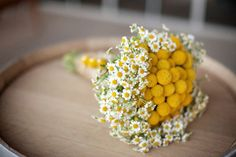 Bouquet originale giallo con mimosa e margherite! Wedding planner Pozzuolo del Friuli (UD) - Magnolia Wedding & Events Planner di Livia de Vita