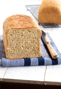 Perfect for breakfast! (in Spanish) Biscuit Bread, Pan Bread, Bread Baking, Recipes With Bread Slices, Bread Recipes, Brunch Recipes, Croissants, Pan Integral Thermomix, Tostadas