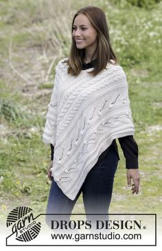 Winter& heart / DROPS - free knitting patterns by DROPS design Knitted poncho with cable pattern, knobs and lace pattern. Sizes S - XXXL. The piece is worked in 2 strands DROPS Baby M. Poncho Knitting Patterns, Knitted Poncho, Free Knitting, Knit Patterns, Drops Design, Drops Patterns, Heart Patterns, Garter Stitch, Knit Crochet