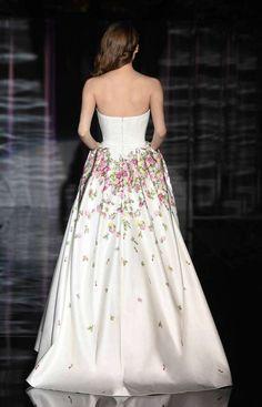 Abiti da sposa Atelier Emé 2017 - Vestito da sposa con fiori Atelier Emé