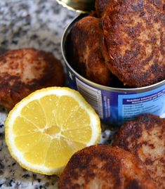 Tunfrikadeller med løg og hvidløg... - MADEN I MIT LIV! Diet Recipes, Healthy Recipes, Recipies, Good Food, Yummy Food, Danish Food, Fish Dishes, Food Inspiration, Meal Planning