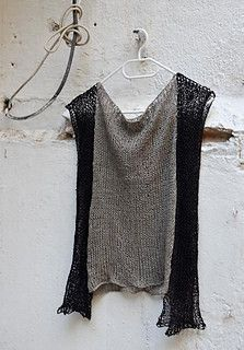 Fun way to create a top with two scarves. Изображение с кодом 11187190
