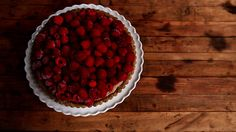 Do you have a surplus of walnuts? Do you love using seasonal fruit? Then this is the raw tart for you.