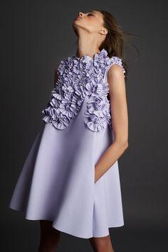 Look Fashion, Fashion Outfits, Womens Fashion, Fashion Design, High Fashion Dresses, Fashion Spring, Fashion Trends, Estilo Glamour, Apparel Design