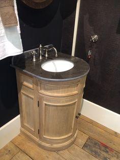 waschtisch mit eine marmorplatte badezimmer bathroom pinterest waschtisch und badezimmer. Black Bedroom Furniture Sets. Home Design Ideas