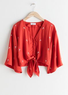 Blouses - Women's Blouses & Shirts – Shop Women's silk shirts, printed blouses and romantic frill blouses- & Other Stories - Clothing - & Other Stories Simple Work Outfits, Casual Skirt Outfits, Crop Top Outfits, Trendy Outfits, Fashion Outfits, Fashion Ideas, Women's Fashion, Indian Designer Outfits, Blouse Outfit