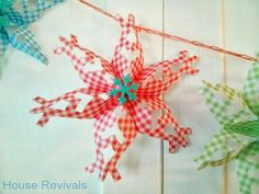 House Revivals: How to Make {Pretty} Three Dimensional Snowflakes